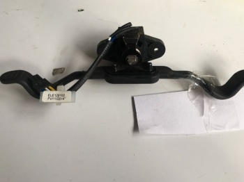 Used Throttle Wigwag ELE123102 For A Pride Mobility Scooter B1011
